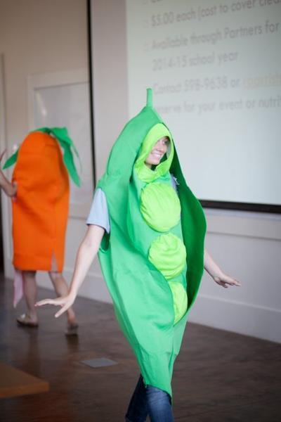 To borrow: vegetable costume
